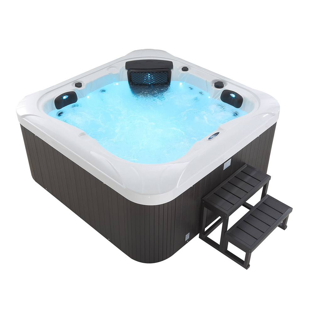 Outdoor Whirlpool Dreamy plus Treppe und Thermoabdeckung