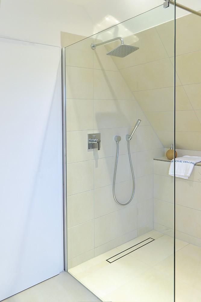 duschtrennwand navaa mit lotuseffekt 60 12. Black Bedroom Furniture Sets. Home Design Ideas